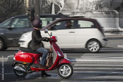 Scooter et Transports Urbains Fototapeta