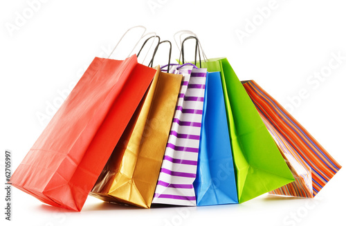 Fotografía  Paper shopping bags isolated on white background