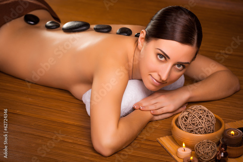 Fototapety, obrazy: beautiful brunette in a spa salon