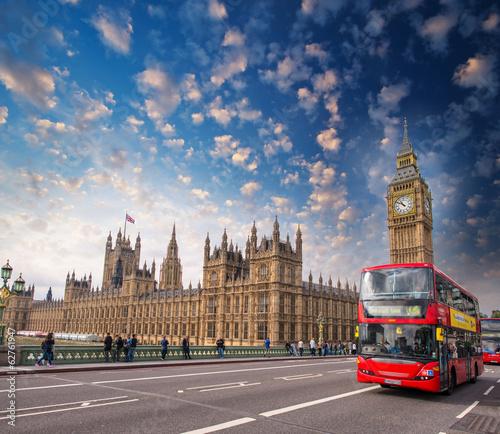 Türaufkleber London roten bus Classic Double Decker Bus crossing Westminster Bridge