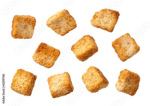 Fotografía  Trocitos de pan aislados