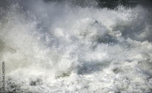 Fotografía  Strong flowing water