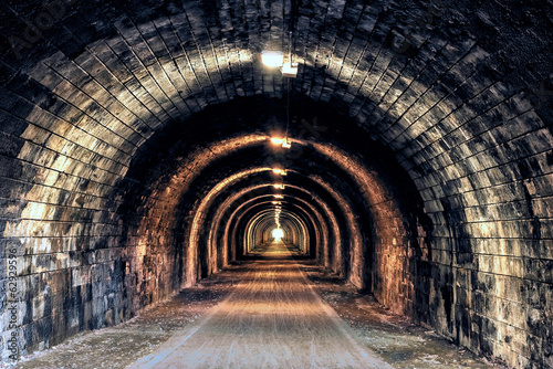 Foto auf Leinwand Tunel Light at the end of the Tunnel