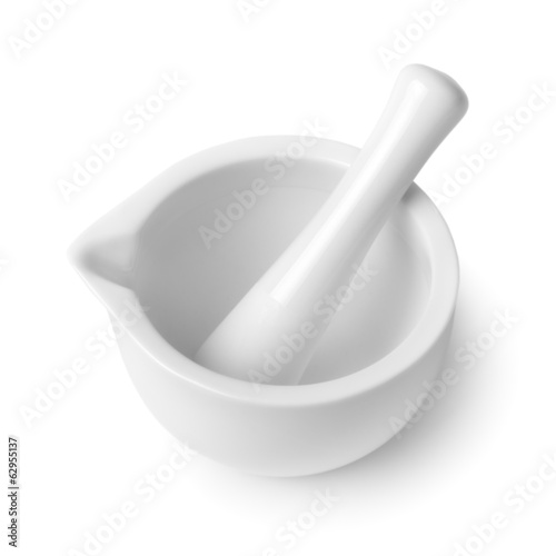 Fotografia mortar and pestle isolated on white background