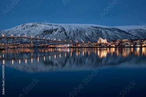 Foto auf Gartenposter Nordlicht Panoramic view on Tromso, Norway