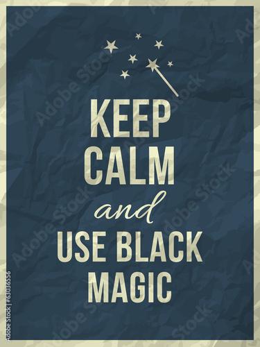 zachowaj-spokoj-i-uzyj-cytatu-z-czarnej-magii-na-pogniecionej-papierowej-faktu