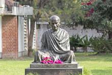 Mahatma Mahatma Gandhis Statue...