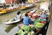 Damnoen Saduak Floating Markets, Ratchaburi Province, Thailand.