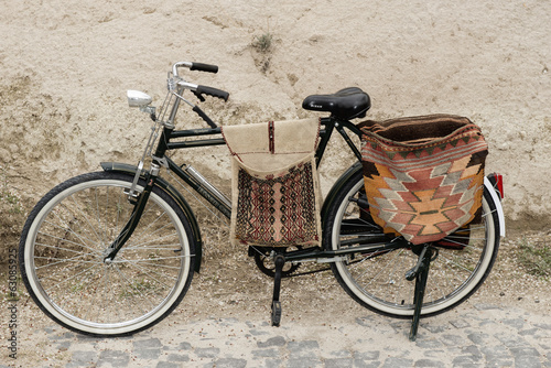 Papiers peints Retro bicycle with bags