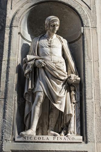 Photo  Florence uffizi statue Nicola Pisano