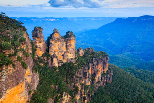 Montage in der Fensternische Australien Three Sisters Australia