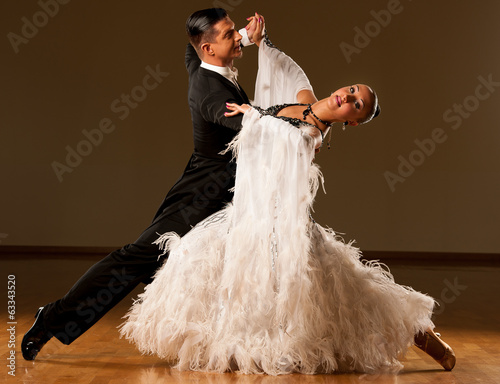 Stampa su Tela Professional ballroom dance couple preform an exhibition dance