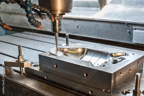 Fotografie, Obraz  Průmyslová kovová forma / die frézování. Obrábění kovů.