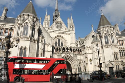 Red London bus and Courts of Justice
