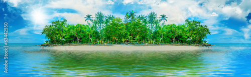 Foto op Canvas Tropical strand Sunny beach