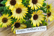 Happy Mother´s Day Card With Yellow Daisies