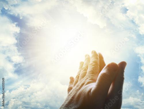Fotografie, Obraz  Praying hands in sky