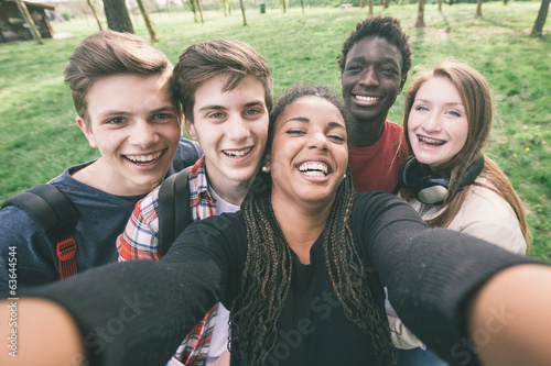 Valokuva Group of Multiethnic Teenagers Taking a Selfie