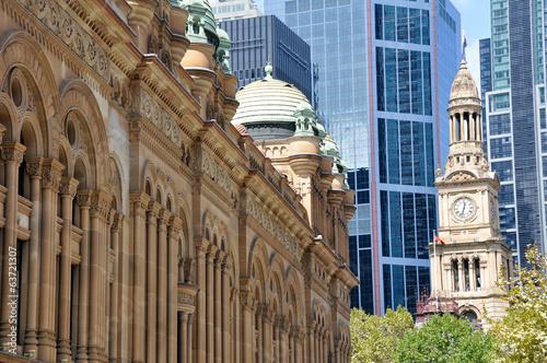 fototapeta na lodówkę Queen Victoria Building i Ratusz w Sydney (Australia)