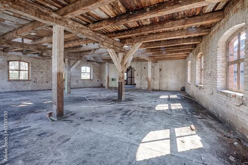 Papiers peints Les vieux bâtiments abandonnés Old, abandoned and forgotten building