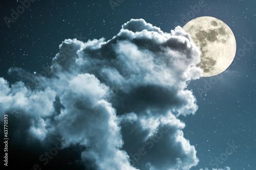 noc-pelni-ksiezyca