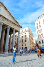 Horse Drawn Carriage, Rome, It...