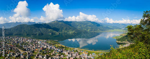Fotobehang Nepal The popular tourist city of Pokhara and the Phewa Lake