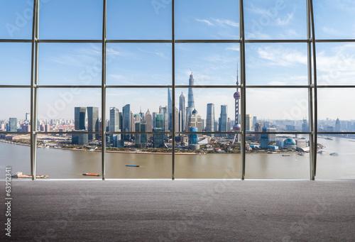 szanghaj-widok-okna-na-zewnatrz
