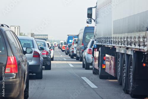 Fotomural  Stau auf der Autobahn