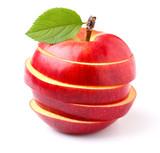 Czerwone jabłko pocięte w paski
