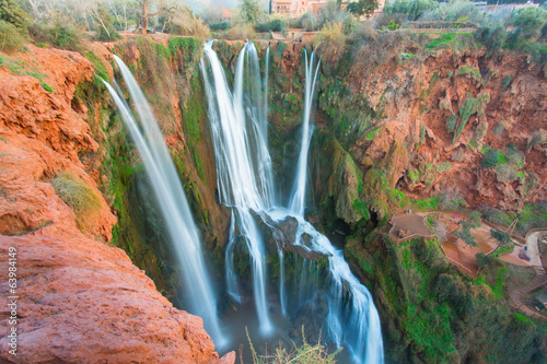 Fotografía  Ouzoud Waterfalls located in the Grand Atlas village of Tanaghme