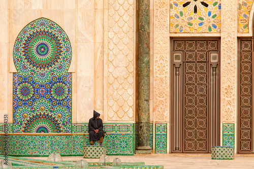 Casablanca, Morocco: Ornate exterior brass door of Hassan II Mos Fotobehang