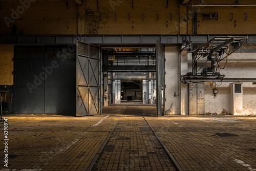Foto auf Leinwand Alte verlassene Gebäude Industrial interior of an old factory