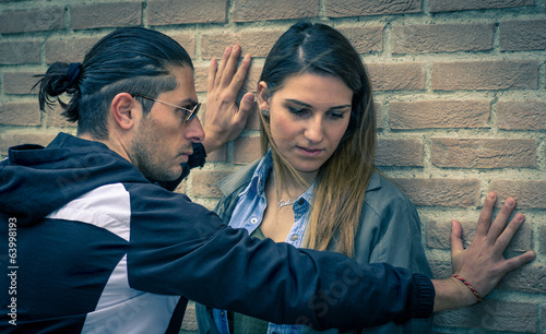 Fényképezés man trying to abuse his girlfriend