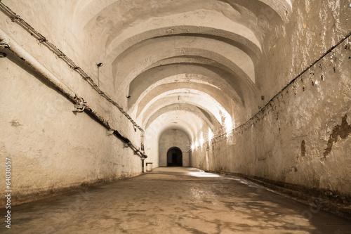 stare-opuszczone-korytarze-kopalni-wapienia
