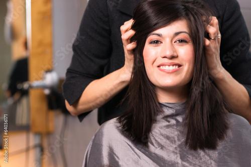 Fotografia  Spa Day Pretty Brunette Woman Head Message Beauty Salon