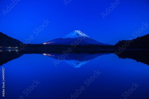 Fotobehang Donkerblauw World Heritage Mount Fuji at very early morning