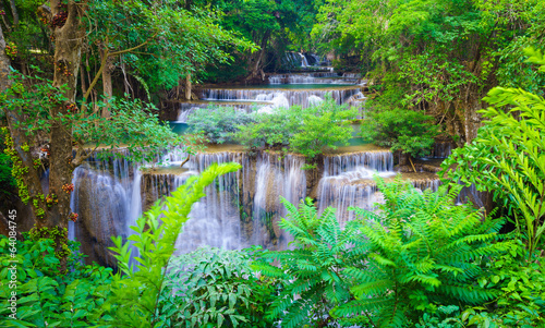 gleboka-lasowa-siklawa-w-kanchanaburi-tajlandia