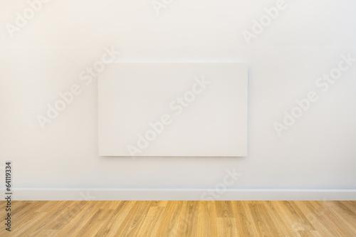 Fotografía  single art canvas in an empty gallery space