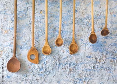 zabytkowe-drewniane-lyzki-przybory-kuchenne-wolne-miejsce
