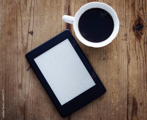 Carta da parati E-book reader and coffee