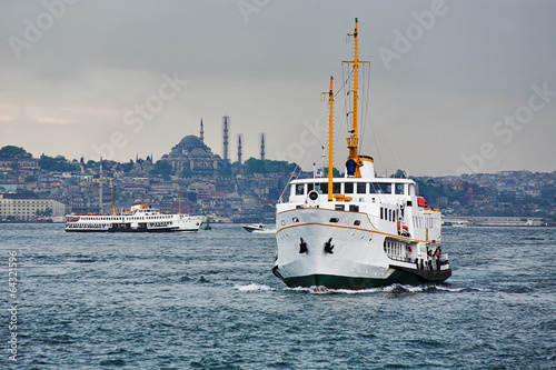 Poster Turquie Passenger ships in the Gulf of the Golden Horn, Istanbul