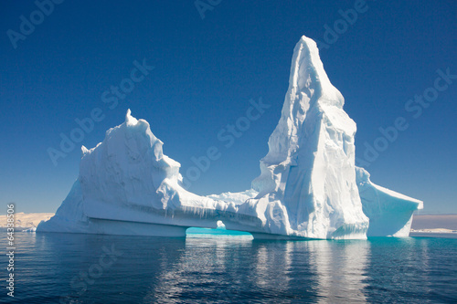 La pose en embrasure Antarctique Beautiful Iceberg, Antarctica