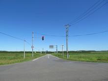 草原と交差点