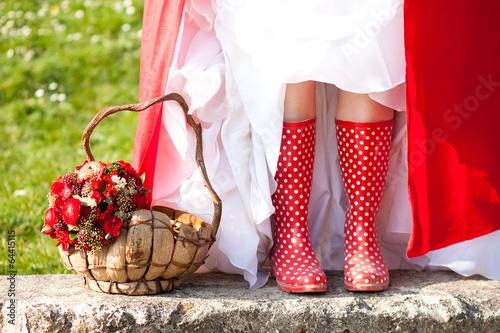 Fotografie, Obraz  Mariée en bottes de pluie