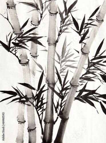cztery-szare-lodygi-bambusa-i-czarne-liscie-na-jasnym-tle