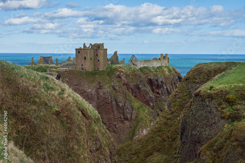 Deurstickers Rudnes Dunnotar Castle gorge Stonehaven UK Scotland