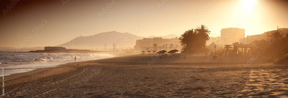 Fototapeta Marbella plaża palma zachód słońca wypoczynek panorama