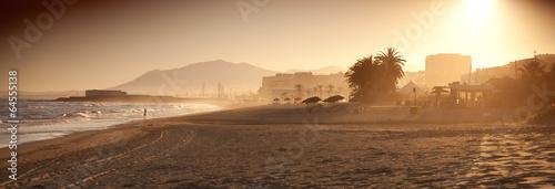 Fototapeta Marbella plaża palma zachód słońca wypoczynek panorama obraz