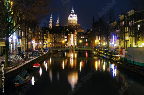 Photo  Evening view on the St. Nicolas Church in Amsterdam